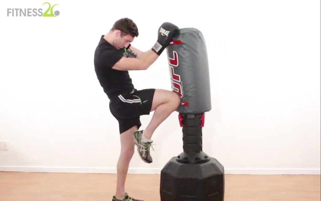 Josh – Muay Thai Technique: Throwing The Knee From The Front